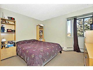Photo 12: 406 550 WESTWOOD Drive SW in CALGARY: Westgate Condo for sale (Calgary)  : MLS®# C3605225