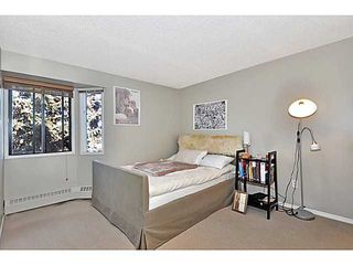 Photo 10: 406 550 WESTWOOD Drive SW in CALGARY: Westgate Condo for sale (Calgary)  : MLS®# C3605225