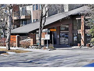 Photo 2: 406 550 WESTWOOD Drive SW in CALGARY: Westgate Condo for sale (Calgary)  : MLS®# C3605225
