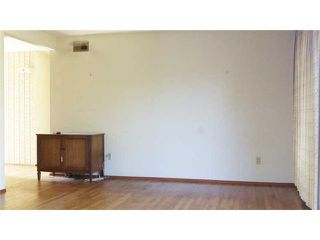 Photo 8: CLAIREMONT House for sale : 3 bedrooms : 3966 Anastasia Street in San Diego