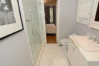 Photo 4: 128 Longwater Chase in Markham: Unionville House (2-Storey) for sale : MLS®# N2935661