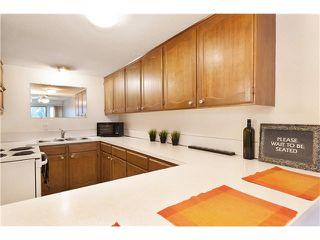 """Photo 5: 6 7361 MONTECITO Drive in Burnaby: Montecito Townhouse for sale in """"MONTECITO VILLA"""" (Burnaby North)  : MLS®# V1094595"""