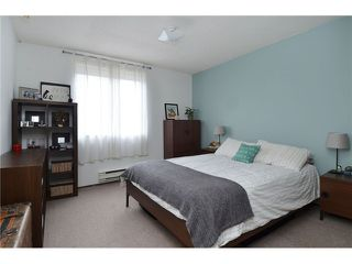 "Photo 7: 1335 - 1337 WALNUT Street in Vancouver: Kitsilano House for sale in ""Kits Point"" (Vancouver West)  : MLS®# V1103862"