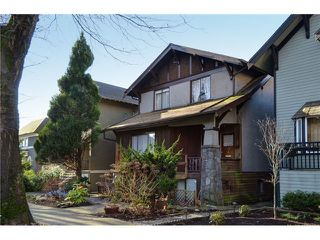 "Photo 3: 1335 - 1337 WALNUT Street in Vancouver: Kitsilano House for sale in ""Kits Point"" (Vancouver West)  : MLS®# V1103862"