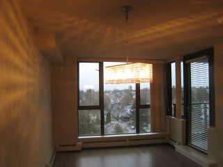 """Photo 5: 808 2689 KINGSWAY in Vancouver: Collingwood VE Condo for sale in """"SKYWAY TOWER"""" (Vancouver East)  : MLS®# R2041971"""