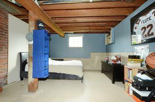 Photo 15: 1075 Roslyn Rd in VICTORIA: OB South Oak Bay Single Family Detached for sale (Oak Bay)  : MLS®# 728001