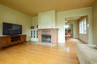 Photo 4: 1075 Roslyn Rd in VICTORIA: OB South Oak Bay Single Family Detached for sale (Oak Bay)  : MLS®# 728001