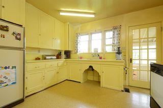 Photo 7: 1075 Roslyn Rd in VICTORIA: OB South Oak Bay Single Family Detached for sale (Oak Bay)  : MLS®# 728001