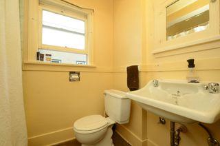 Photo 12: 1075 Roslyn Rd in VICTORIA: OB South Oak Bay Single Family Detached for sale (Oak Bay)  : MLS®# 728001