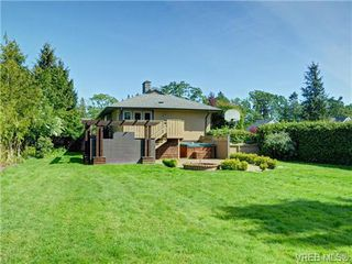 Photo 18: 3340 Woodburn Avenue in VICTORIA: OB Henderson Single Family Detached for sale (Oak Bay)  : MLS®# 364361