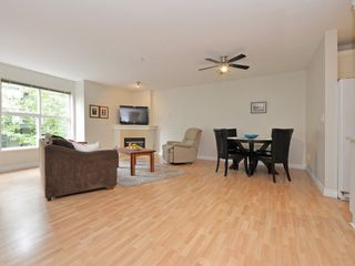 Photo 4: 208 14885 100 Avenue in Surrey: Guildford Condo for sale (North Surrey)  : MLS®# R2110305
