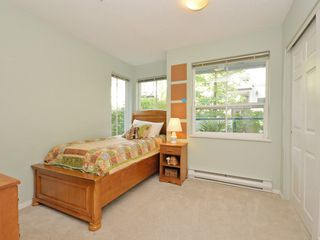 Photo 13: 208 14885 100 Avenue in Surrey: Guildford Condo for sale (North Surrey)  : MLS®# R2110305