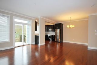 "Photo 2: 4 11384 BURNETT Street in Maple Ridge: East Central Townhouse for sale in ""MAPLE CREEK LIVING"" : MLS®# R2132033"
