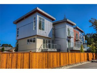 Photo 3: 116 2737 Jacklin Road in VICTORIA: La Langford Proper Townhouse for sale (Langford)  : MLS®# 373408