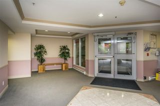 """Photo 4: 306 10533 UNIVERSITY Drive in Surrey: Whalley Condo for sale in """"PARKVIEW COURT"""" (North Surrey)  : MLS®# R2135472"""