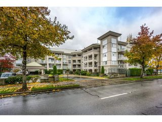 """Photo 3: 306 10533 UNIVERSITY Drive in Surrey: Whalley Condo for sale in """"PARKVIEW COURT"""" (North Surrey)  : MLS®# R2135472"""