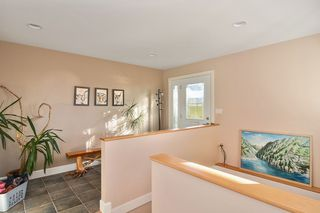 Photo 2: 1155 BALSAM Street: White Rock House for sale (South Surrey White Rock)  : MLS®# R2135110
