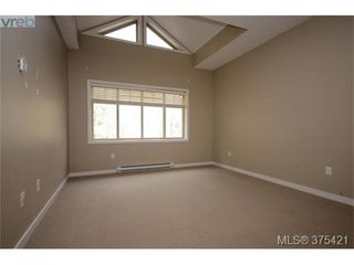 Photo 5: 102 2120 Harrow Gate in VICTORIA: La Bear Mountain Row/Townhouse for sale (Langford)  : MLS®# 753504