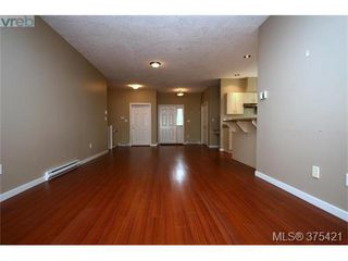 Photo 4: 102 2120 Harrow Gate in VICTORIA: La Bear Mountain Row/Townhouse for sale (Langford)  : MLS®# 753504
