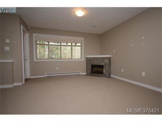 Photo 6: 102 2120 Harrow Gate in VICTORIA: La Bear Mountain Row/Townhouse for sale (Langford)  : MLS®# 753504