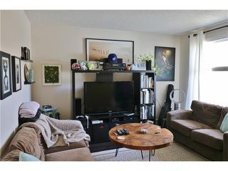 Photo 2: 2 3820 PARKHILL Place SW in Calgary: Parkhill Condo for sale : MLS®# C4111236