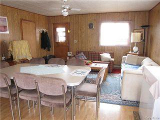 Photo 2: 422 HAZEL Avenue: Winnipeg Beach Residential for sale (R26)  : MLS®# 1710343