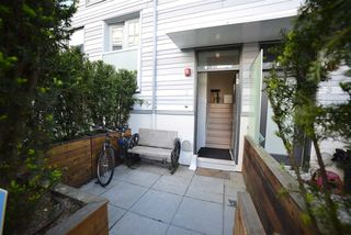 "Photo 2: 2 1411 E 1ST Avenue in Vancouver: Grandview VE Townhouse for sale in ""GRANDVIEW CASCADES"" (Vancouver East)  : MLS®# R2168722"