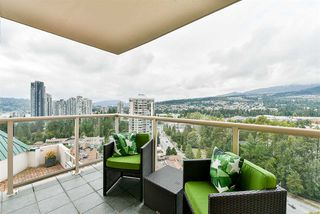 """Photo 4: 2201 1199 EASTWOOD Street in Coquitlam: North Coquitlam Condo for sale in """"THE SELKIRK"""" : MLS®# R2213847"""
