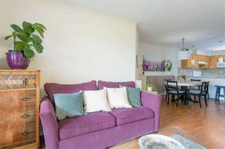 """Photo 5: 112 333 E 1ST Street in North Vancouver: Lower Lonsdale Condo for sale in """"VISTA WEST"""" : MLS®# R2216499"""