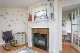"""Photo 3: 112 333 E 1ST Street in North Vancouver: Lower Lonsdale Condo for sale in """"VISTA WEST"""" : MLS®# R2216499"""