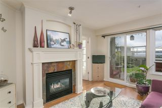 """Photo 2: 112 333 E 1ST Street in North Vancouver: Lower Lonsdale Condo for sale in """"VISTA WEST"""" : MLS®# R2216499"""
