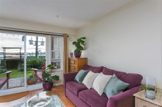 """Photo 4: 112 333 E 1ST Street in North Vancouver: Lower Lonsdale Condo for sale in """"VISTA WEST"""" : MLS®# R2216499"""