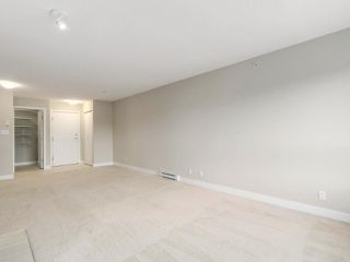 """Photo 4: 405 7088 MONT ROYAL Square in Vancouver: Champlain Heights Condo for sale in """"BRITTANY"""" (Vancouver East)  : MLS®# R2220776"""