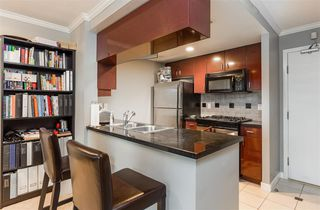 "Photo 9: 1602 1033 MARINASIDE Crescent in Vancouver: Yaletown Condo for sale in ""QUAYWEST"" (Vancouver West)  : MLS®# R2223980"