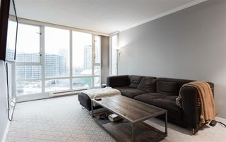 "Photo 4: 1602 1033 MARINASIDE Crescent in Vancouver: Yaletown Condo for sale in ""QUAYWEST"" (Vancouver West)  : MLS®# R2223980"
