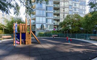 "Photo 15: 1602 1033 MARINASIDE Crescent in Vancouver: Yaletown Condo for sale in ""QUAYWEST"" (Vancouver West)  : MLS®# R2223980"