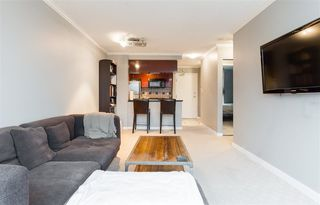 "Photo 6: 1602 1033 MARINASIDE Crescent in Vancouver: Yaletown Condo for sale in ""QUAYWEST"" (Vancouver West)  : MLS®# R2223980"