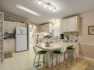 Photo 3: 6 145 KING EDWARD Street in Coquitlam: Coquitlam East Manufactured Home for sale : MLS®# R2248856