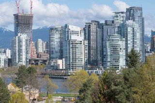 """Photo 1: 19 939 W 7TH Avenue in Vancouver: Fairview VW Townhouse for sale in """"MERIDIAN COURT"""" (Vancouver West)  : MLS®# R2259836"""
