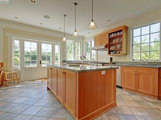 Photo 9: 912 Newport Avenue in VICTORIA: OB South Oak Bay Single Family Detached for sale (Oak Bay)  : MLS®# 392043
