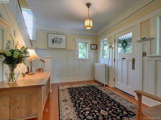 Photo 3: 912 Newport Avenue in VICTORIA: OB South Oak Bay Single Family Detached for sale (Oak Bay)  : MLS®# 392043