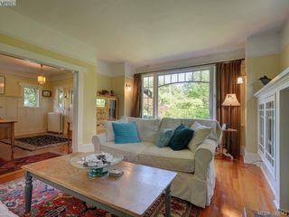 Photo 4: 912 Newport Avenue in VICTORIA: OB South Oak Bay Single Family Detached for sale (Oak Bay)  : MLS®# 392043