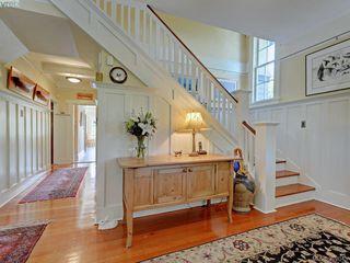 Photo 2: 912 Newport Avenue in VICTORIA: OB South Oak Bay Single Family Detached for sale (Oak Bay)  : MLS®# 392043