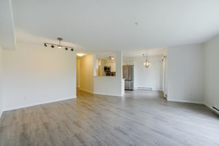 "Photo 22: 408 15150 29A Avenue in Surrey: King George Corridor Condo for sale in ""The Sands II"" (South Surrey White Rock)  : MLS®# R2274636"