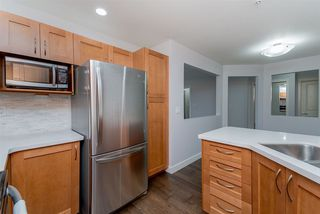 "Photo 5: 217 15621 MARINE Drive: White Rock Condo for sale in ""Pacific Pointe"" (South Surrey White Rock)  : MLS®# R2291054"