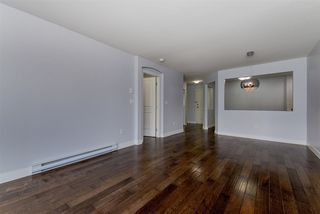 "Photo 10: 217 15621 MARINE Drive: White Rock Condo for sale in ""Pacific Pointe"" (South Surrey White Rock)  : MLS®# R2291054"