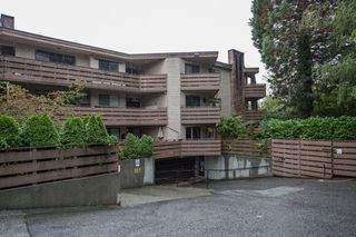"Photo 2: 401 1385 DRAYCOTT Road in North Vancouver: Lynn Valley Condo for sale in ""Brookwood North"" : MLS®# R2309486"