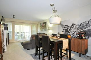 "Photo 4: 407 3050 DAYANEE SPRINGS Boulevard in Coquitlam: Westwood Plateau Condo for sale in ""DAYANEE SPRINGS"" : MLS®# R2329277"