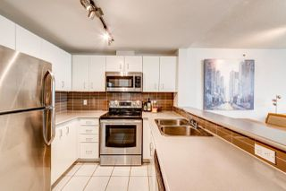 """Photo 10: 2202 588 BROUGHTON Street in Vancouver: Coal Harbour Condo for sale in """"Harbourside Park"""" (Vancouver West)  : MLS®# R2335540"""