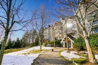 Photo 19: 102 1438 PARKWAY Boulevard in Coquitlam: Westwood Plateau Condo for sale : MLS®# R2342793